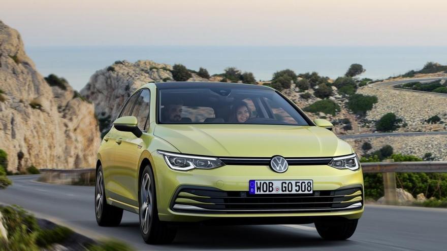 El Volkswagen Golf vence en la votación de abril del Coche del Año de los Lectores