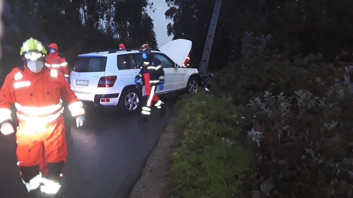 El vehículo siniestrado en el lugar del accidente