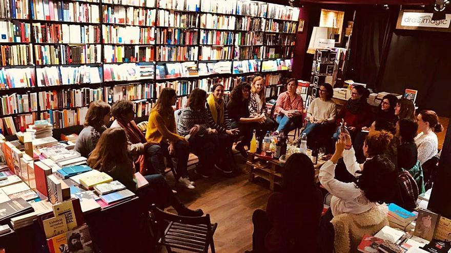 La Trenza y el club de lectura feminista de Drac Màgic, altavoces para las escritoras en Mallorca