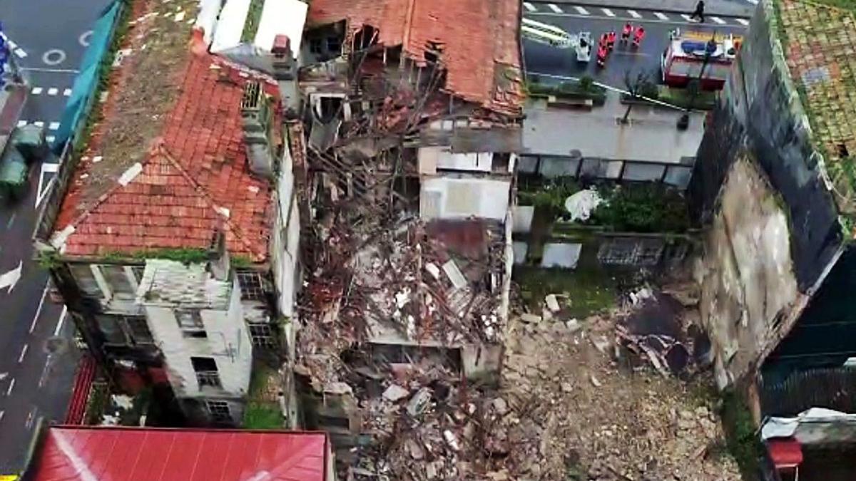 Vista aérea del desplome, hacia el patio interior. |   // POLICÍA NACIONAL
