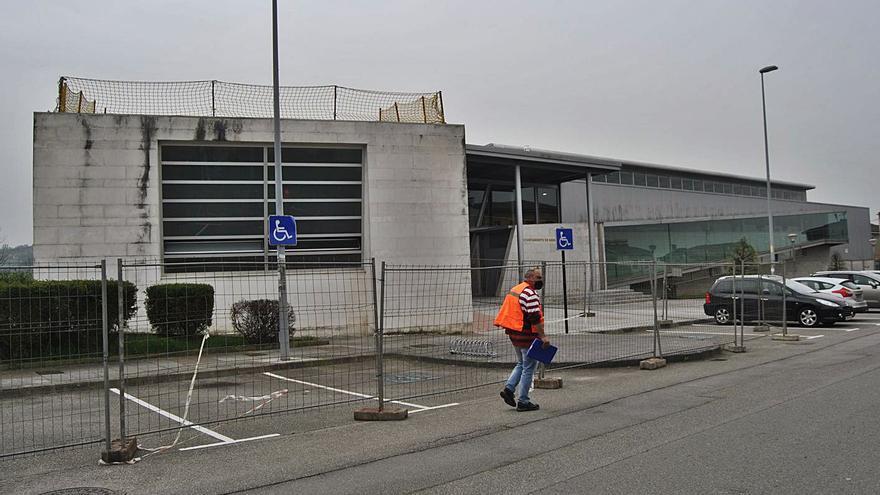 Concluye la reparación de la cubierta del polideportivo de El Berrón