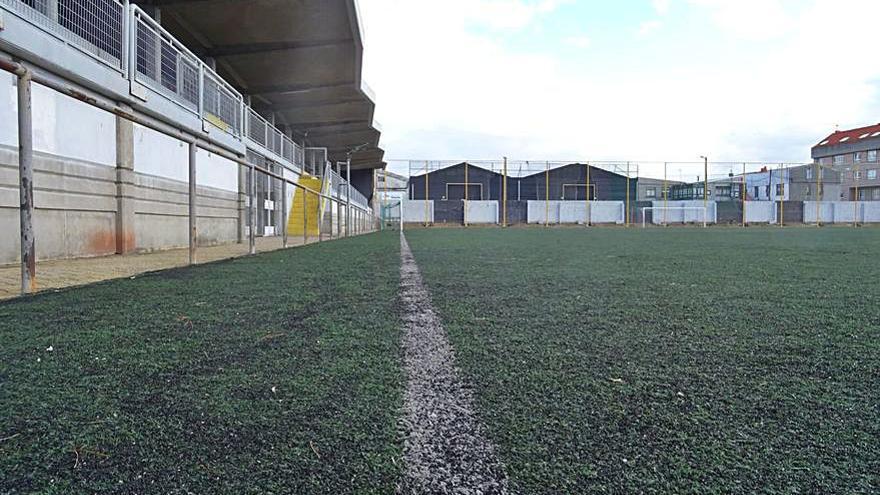 La renovación integral del campo de fútbol de Meicende arrancará el próximo mes