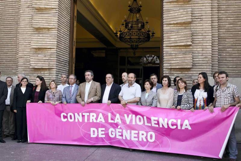 Fotogalería de la concentración contra la violencia de género