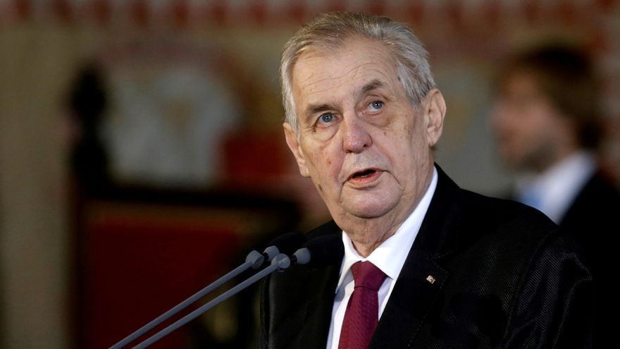 """El presidente checo, Milos Zeman, """"incapaz de desarrollar"""" su labor"""