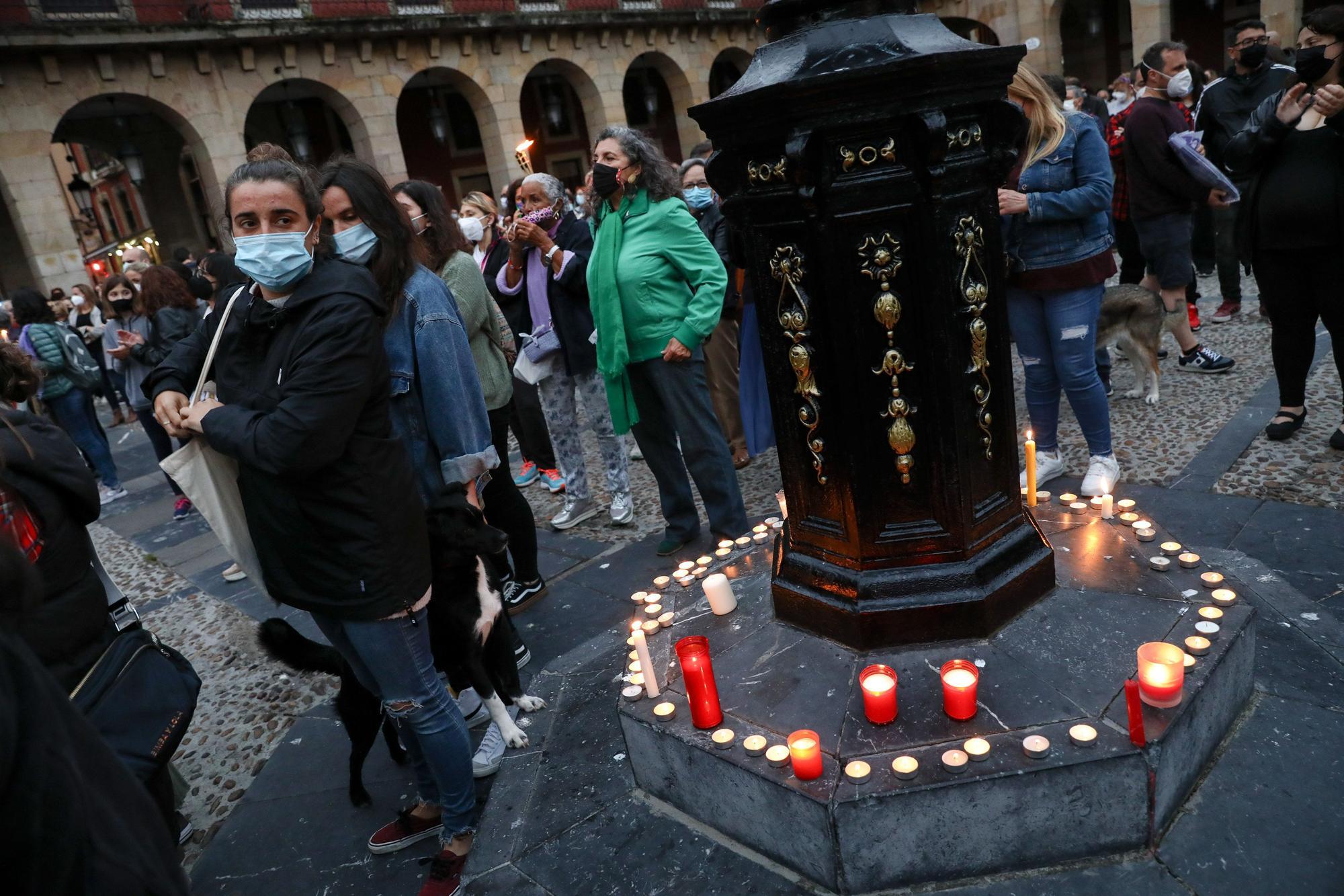 Gijón clama contra la violencia machista tras el crimen de las niñas de Canarias