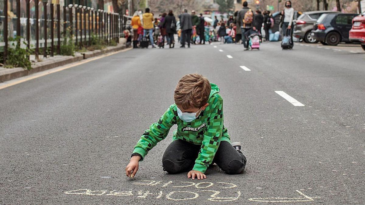 El CEIP Mare Nostrum de València talla el carrer | BIEL ALIÑO/EFE