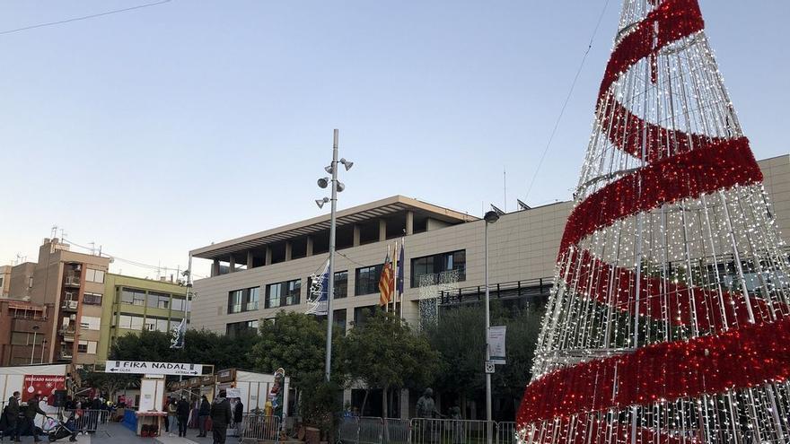 Almassora licita el alumbrado navideño para adelantar a noviembre la campaña de comercio local