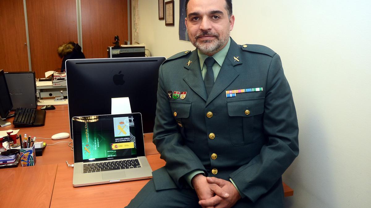 El responsable de la Unidad de Investigación Tecnológica de la Guardia Civil en Pontevedra, José Torres.