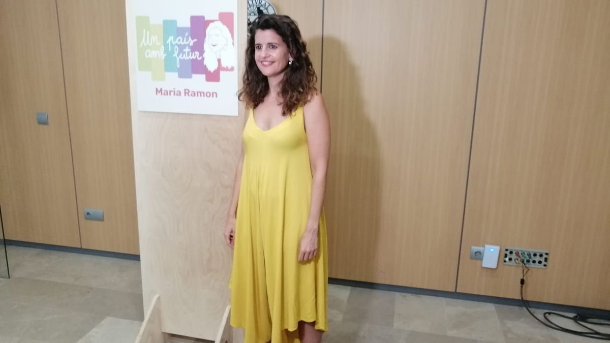 La alcaldesa de Esporles, Maria Ramon, ha oficializado hoy su candidatura a las primarias de Més per Mallorca
