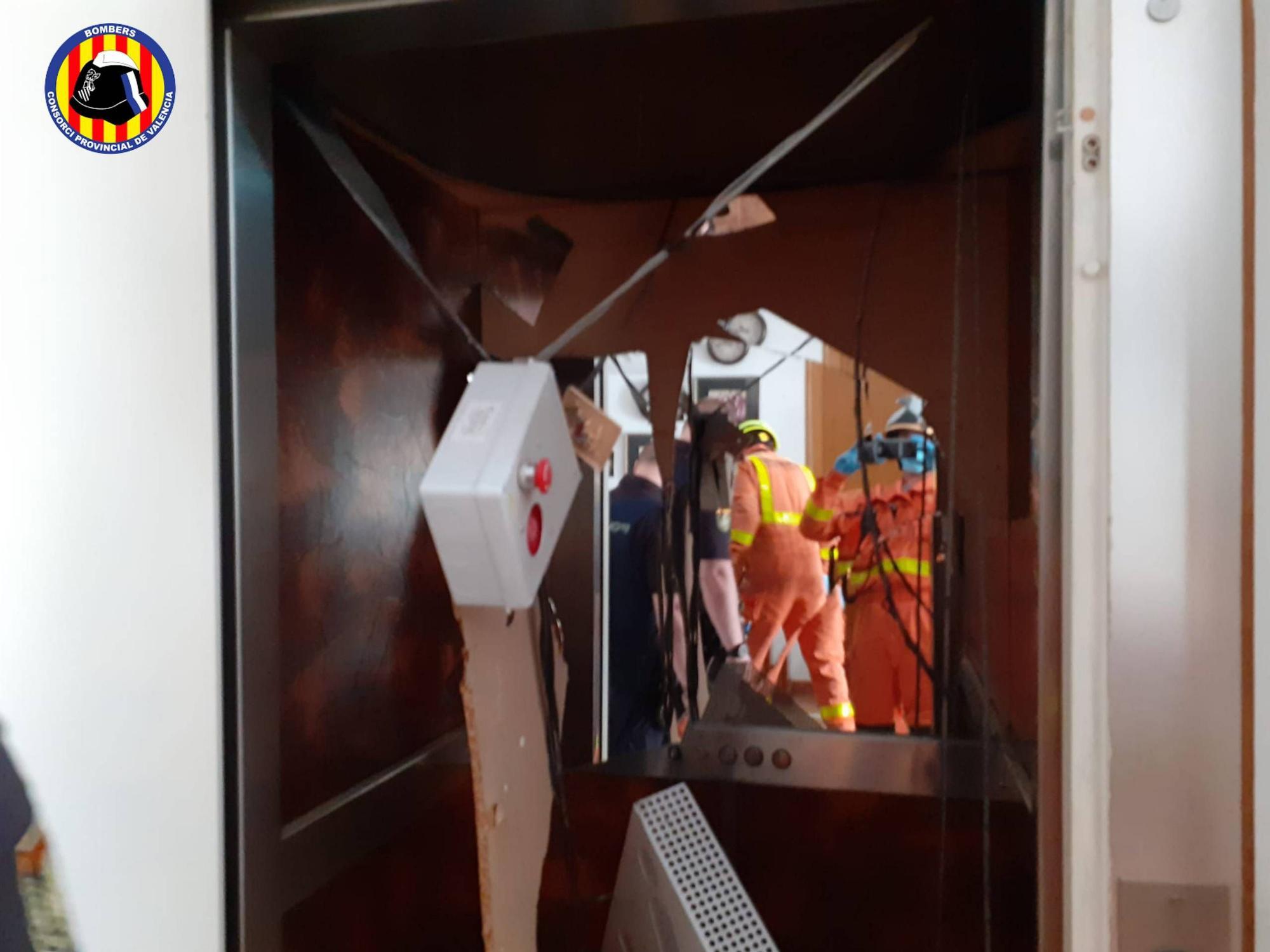 Un ascensor se desploma en una finca de Benirredrà y deja dos heridos