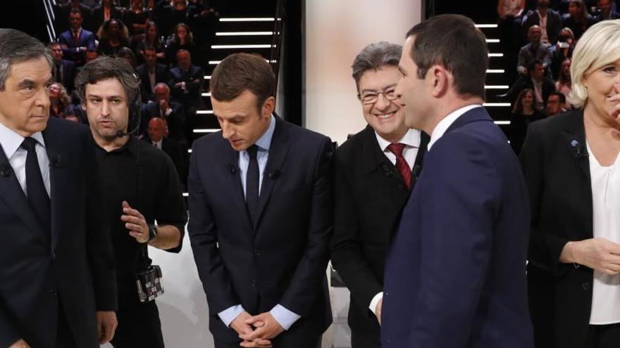 Macron y Le Pen polarizan el primer debate en Francia