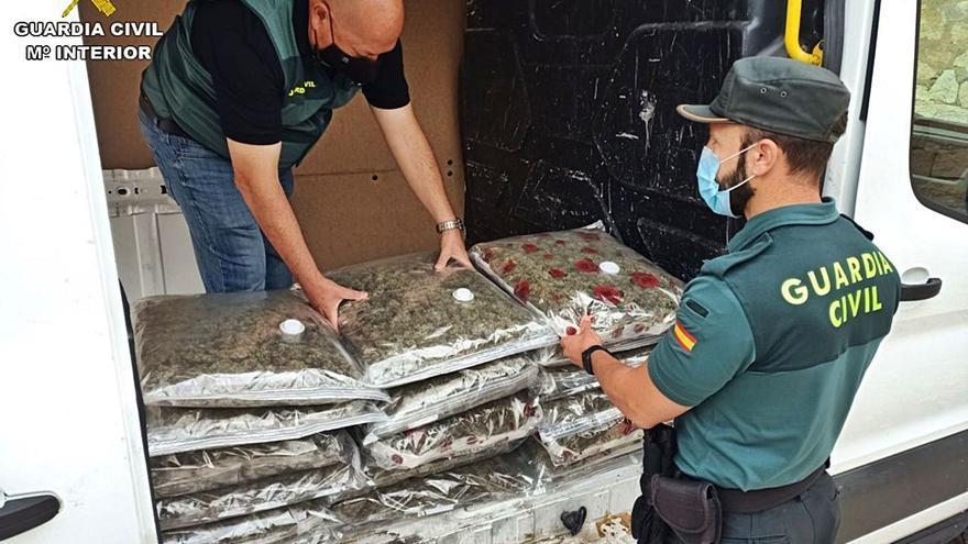 Tres detenidos con 22 kilos de «maría» en Monforte del Cid