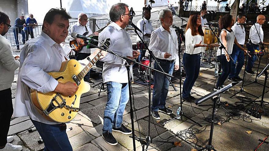Danza y música tradicional animan hoy las calles en las fiestas del Rosario