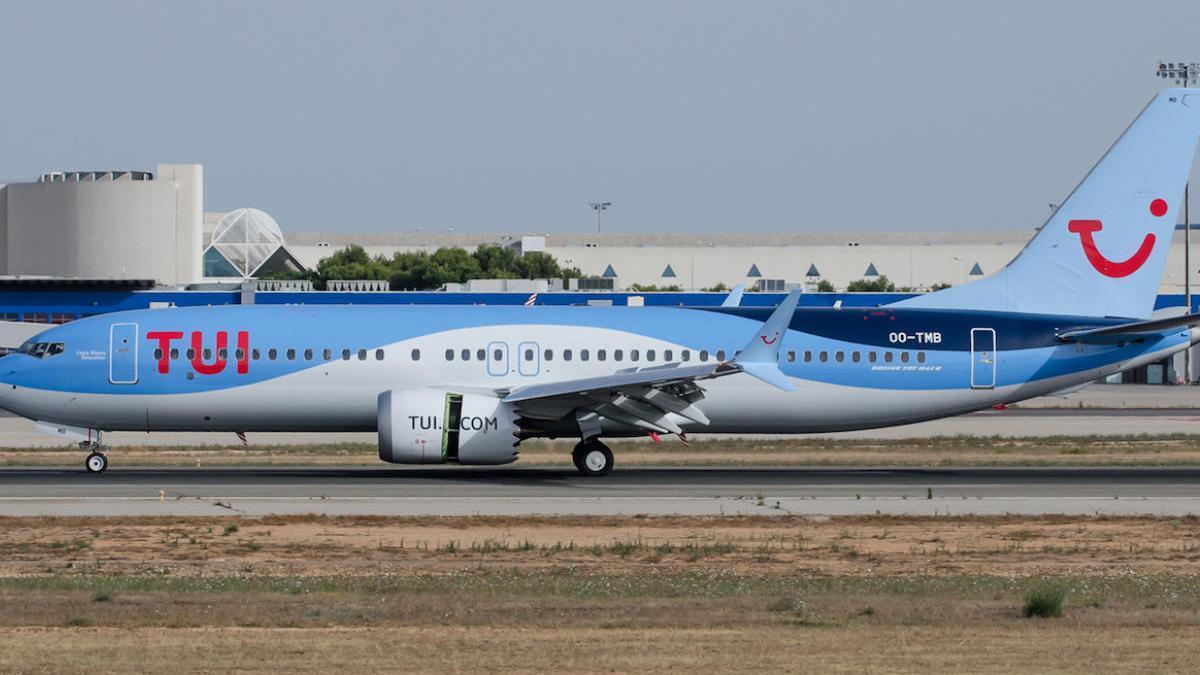 TUI mantiene sus vuelos a Baleares y Canarias y los cancela al resto de España hasta el 9 de agosto