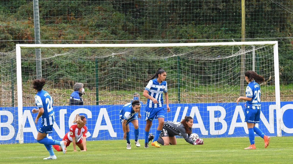 Partido entre el Deportivo Abanca y el Santa Teresa disputado en Abegondo.