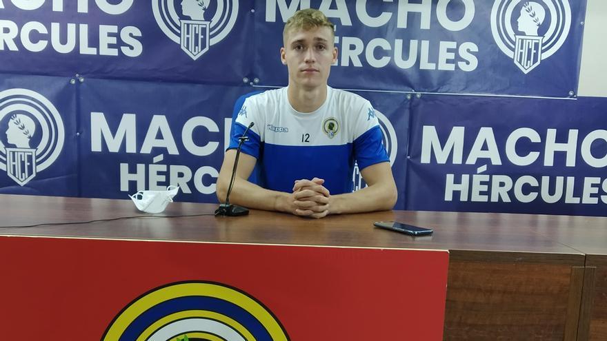 El delantero del Hércules Manu Garrido este miércoles en la sala de prensa del Rico Pérez