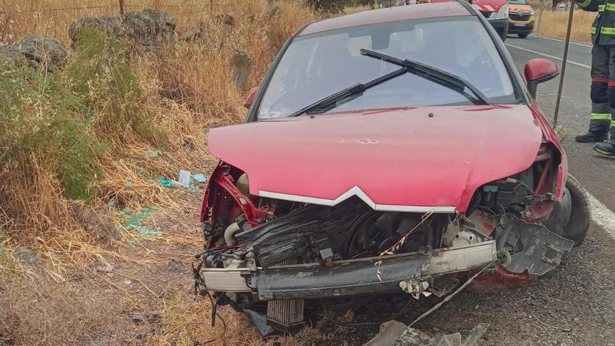 Dos mujeres heridas en un accidente de tráfico en Pedroche