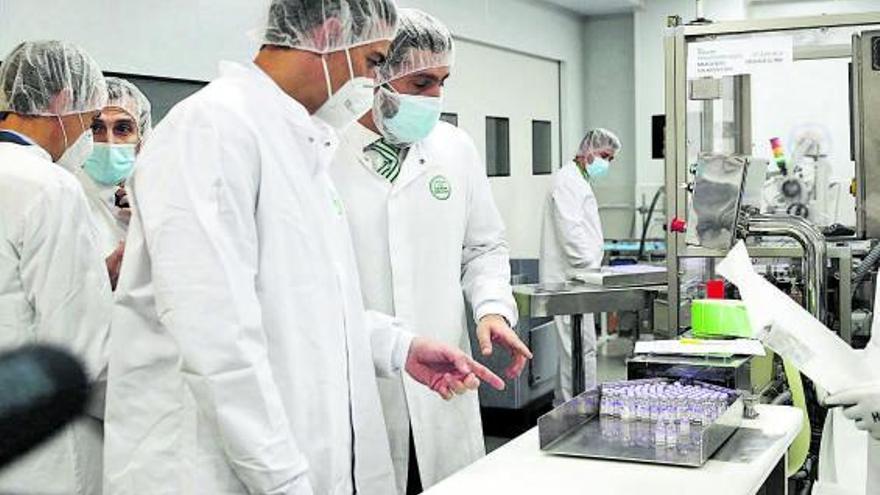 AstraZeneca hará un estudio adicional tras detectar un error al administrar la vacuna