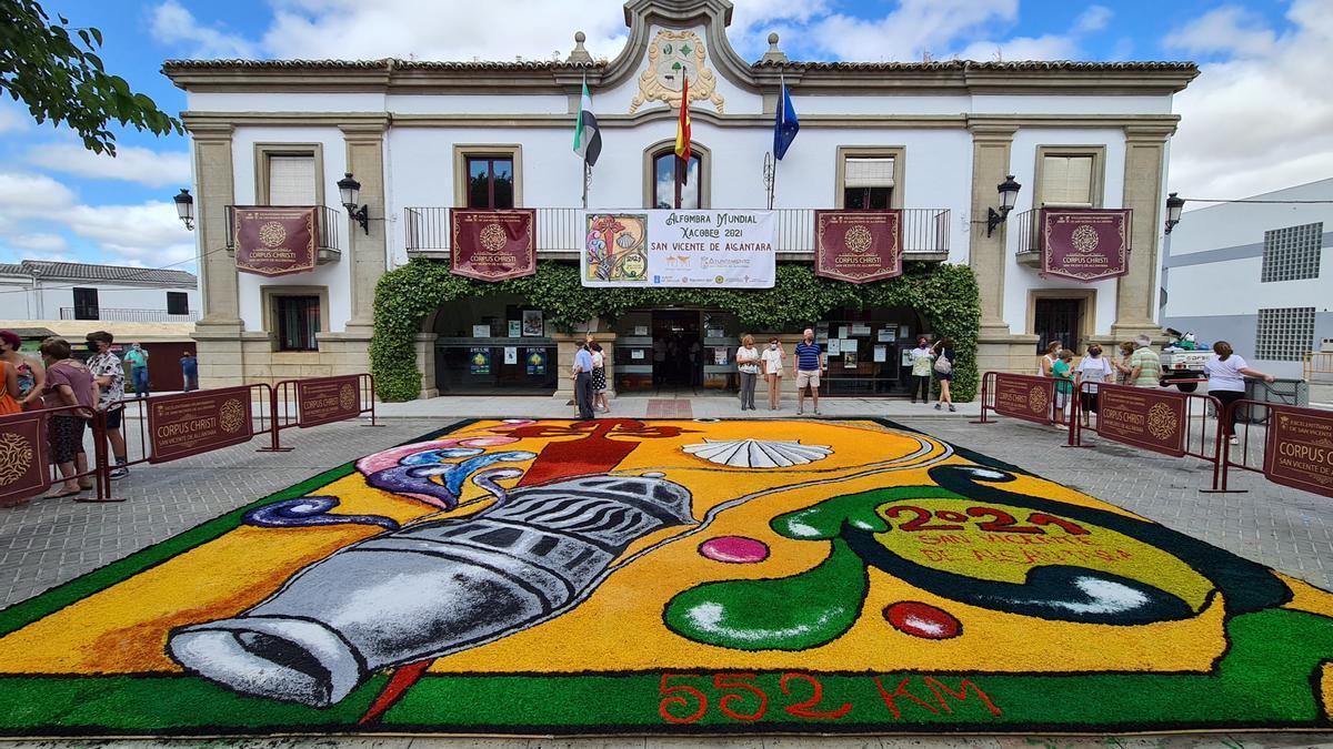 La Alfombra Mundial 2021 elaborada en San Vicente de Alcántara