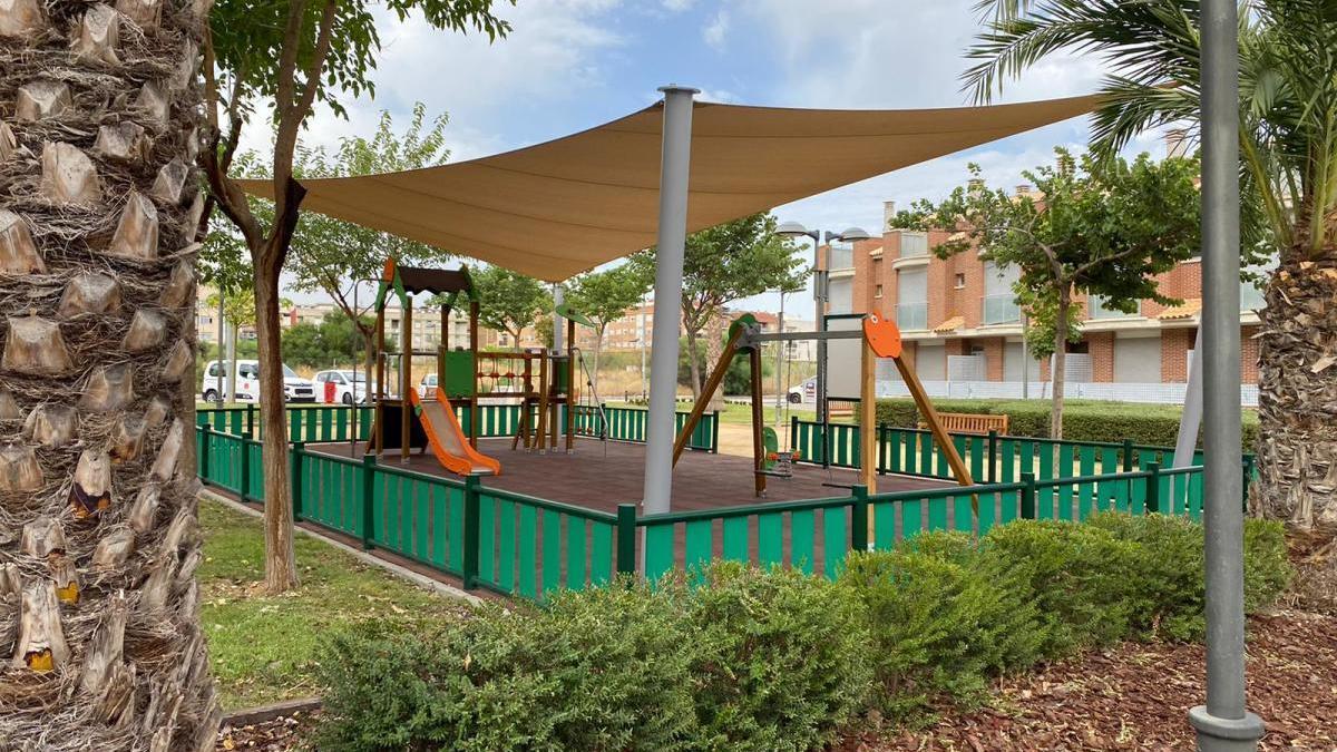 Algezares estrena un jardín con parque infantil de 8.000 m²