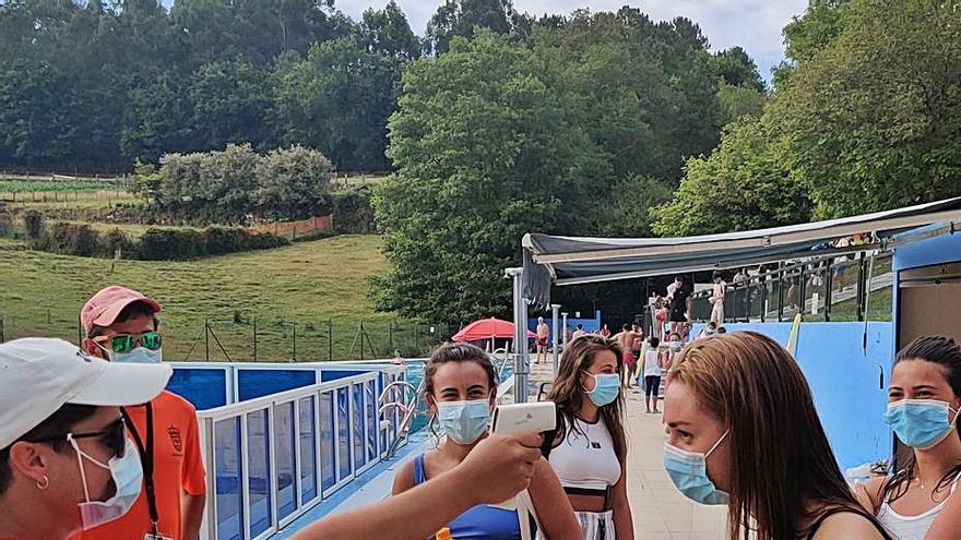 Cuatro concellos se quedan sin piscina otra vez este año