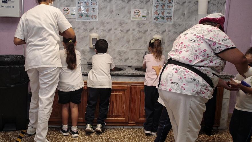 Denuncian que hay comedores escolares de Tenerife sin abrir por falta de personal