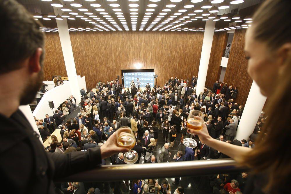 Vista del hall del Auditorio Provincial durante el cóctel posterior a la entrega de premios
