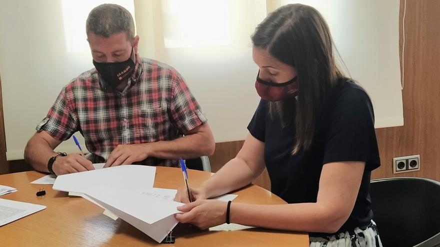 Chiva y la Emshi firman un convenio de intenciones para que el municipio reciba agua de la entidad