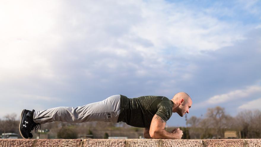 El ejercicio estrella para perder barriga y tonificar el vientre en 30 segundos