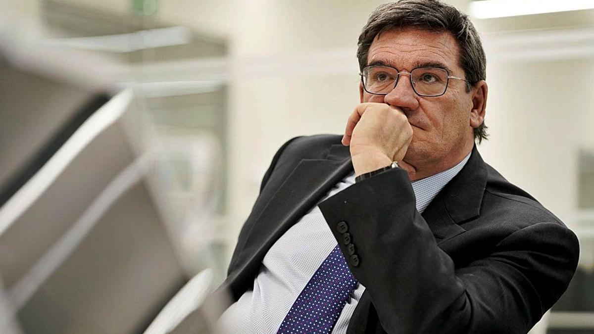 El ministro de Inclusión y Seguridad Social, José Luis Escrivá.   JOSÉ LUIS ROCA