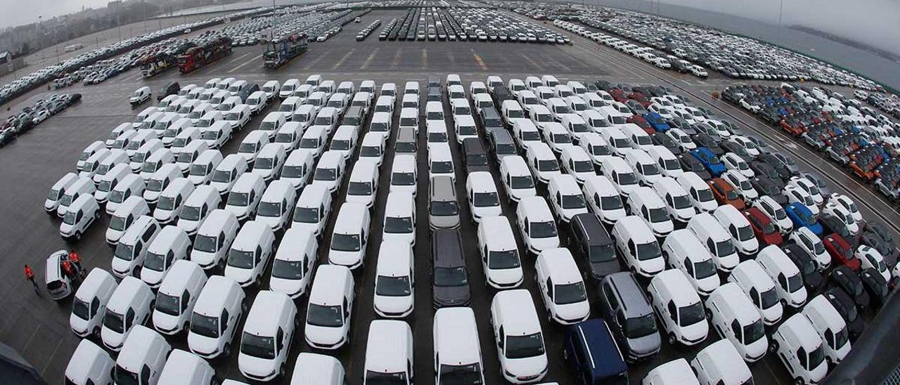 Vehiculos producidos por Stellantis en la terminal de Ro-Ro