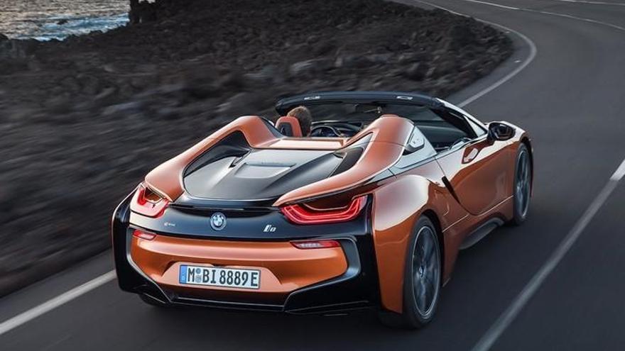 BMW promociona su nuevo deportivo híbrido en los paisajes de Lanzarote