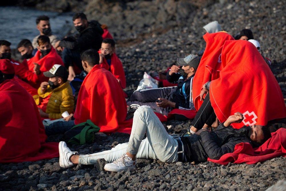 Llegada de 28 inmigr (128298040).jpg