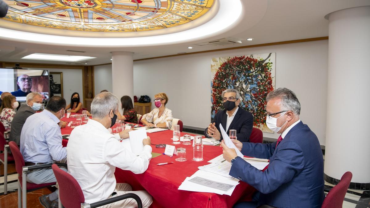 Ángel Víctor Torres in the meeting with his Advisory Council, today, in Las Palmas de Gran Canaria.