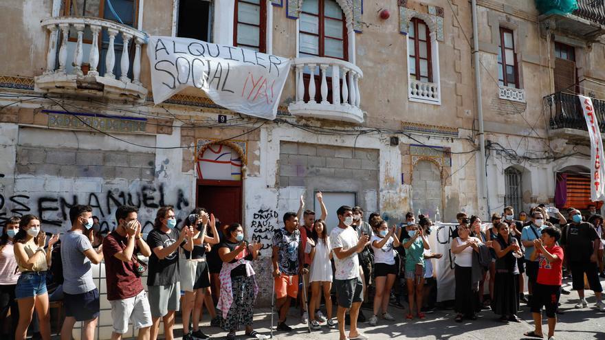 Los 50 vecinos de Creu Coberta tendrán una alternativa habitacional antes del 12 de agosto