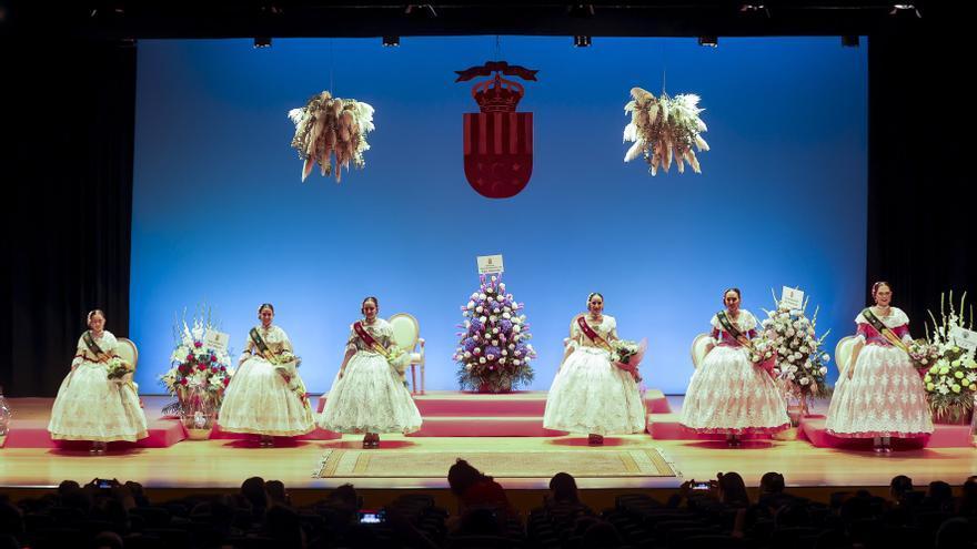 Las Bellezas y Damas del Fuego de San Vicente celebran su proclamación  en el Paraninfo