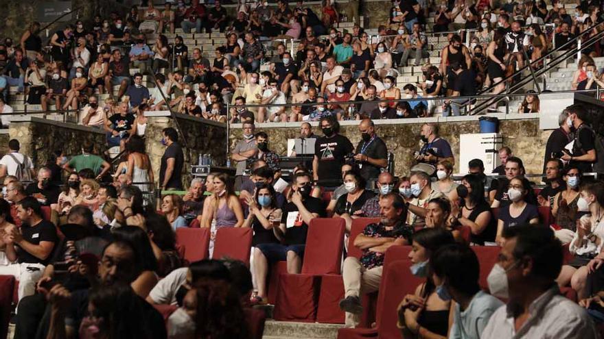 Público en el teatro de la Axerquía