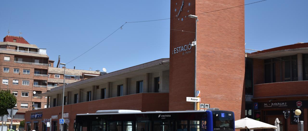 La estación de autobuses de Petrer.