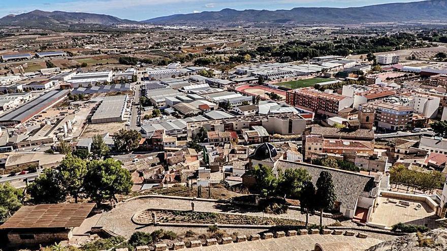 Castalla mantiene su rechazo a albergar grandes plantas solares