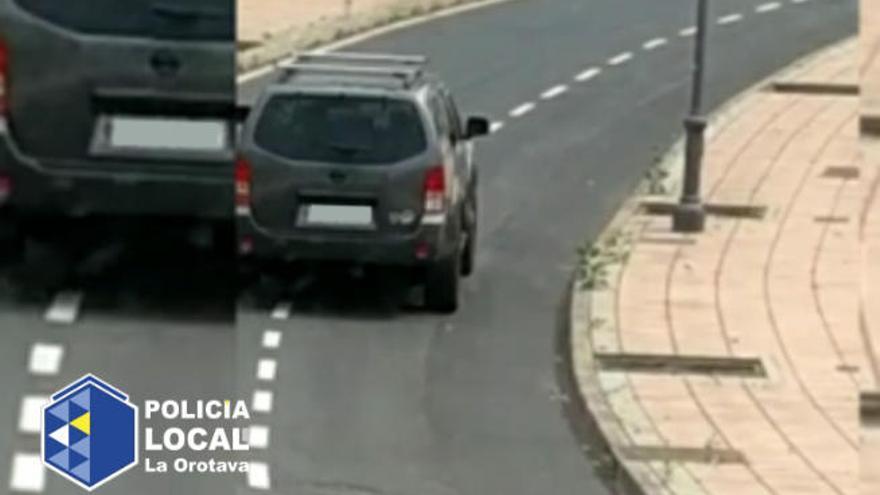 'Cazan' al conductor que circuló en sentido contrario en una rotonda de La Orotava