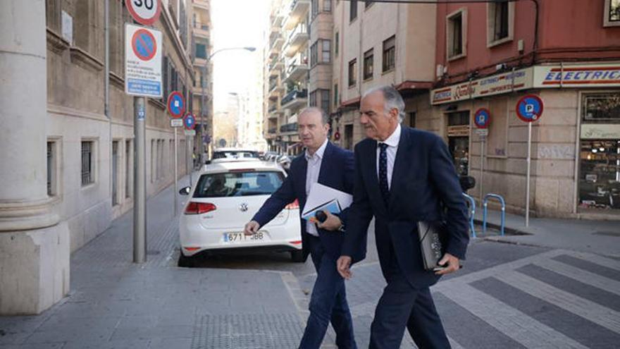 Jaume Ferrer defiende la legalidad de los contratos con Garau