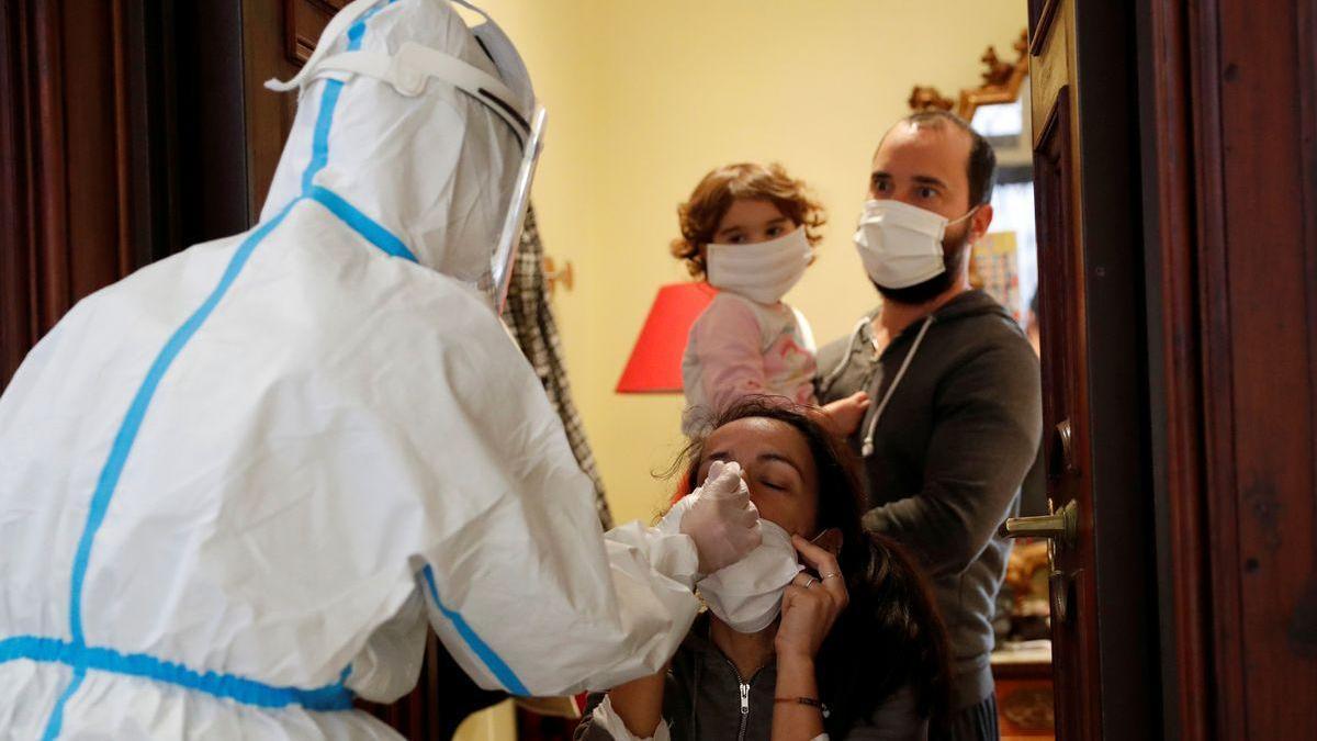 Familiares de fallecidos por covid-19 en Italia denuncian al Gobierno por 100 millones de euros