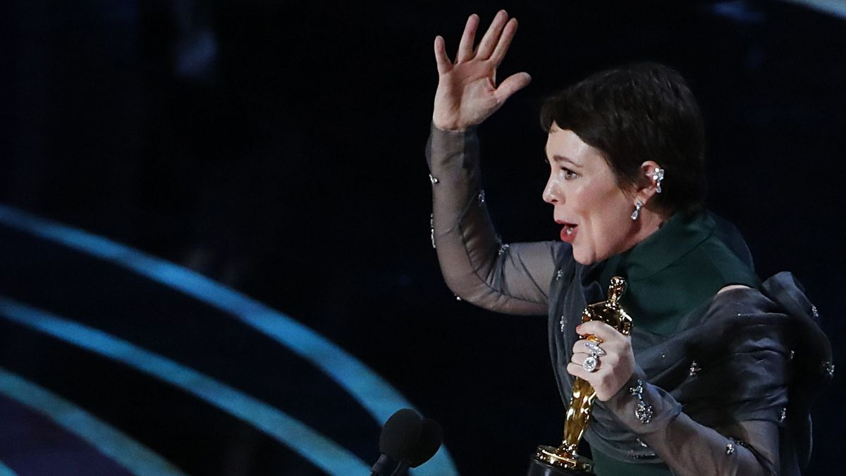 Olivia Colman recibe su primer Oscar