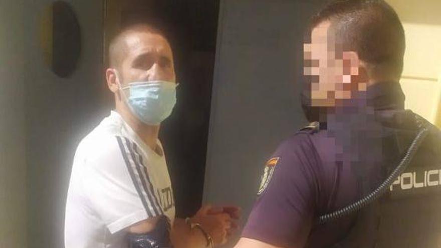 Detienen a Poli Díaz, acusado de dar una paliza a su pareja, en Las Palmas de Gran Canaria