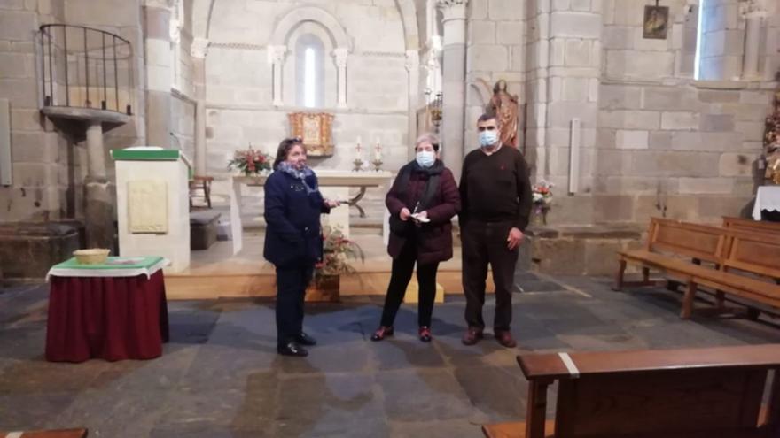 Santa Marta de Tera abre su emblemática iglesia y urge proteger la talla de Santiago