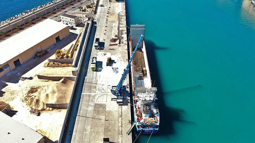 Una operación portuaria  de 9 horas para descargar 1.500 toneladas de sal