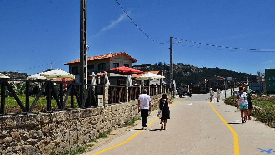 El secretario del Concello señala que la restricción a las playas en Cangas puede ser discriminatoria