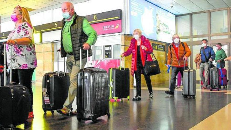 Canarias avala el pasaporte sanitario de la UE para reactivar el turismo en verano