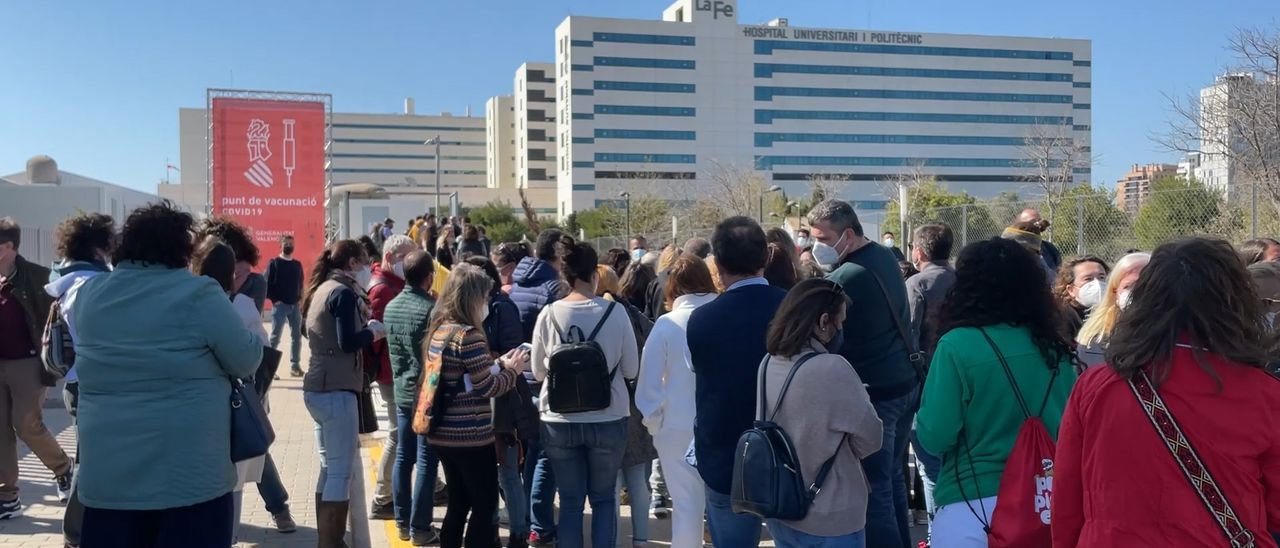 Inicio de la vacunación docente el lunes en Valencia, posteriormente paralizada