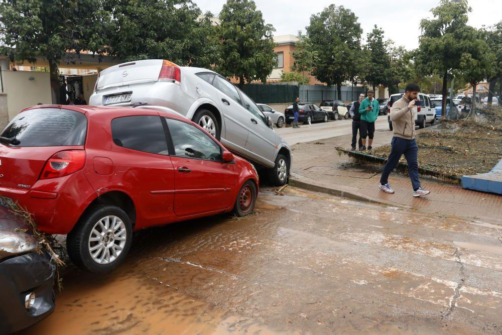 Nueva noche de tormenta y granizo en Málaga que desborda el río Campanillas